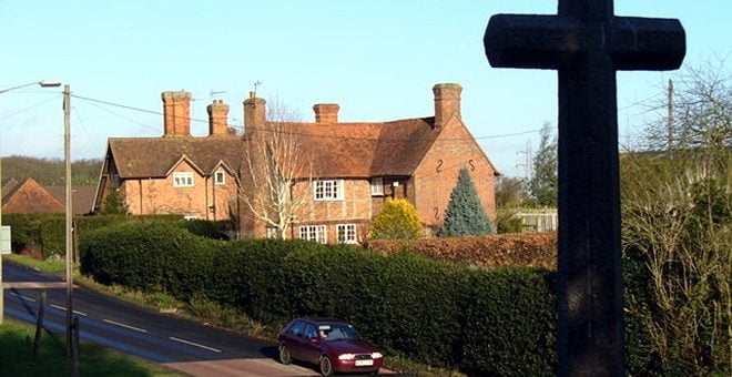 Church Hill, Pyrford